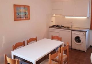 Casa-Filippo-Kueche-Ferienwohnung-Segelzentrum-Elba