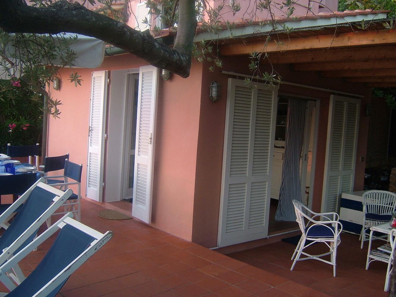 Casa-Tramonto-Eingang-Segelzentrum-Elba