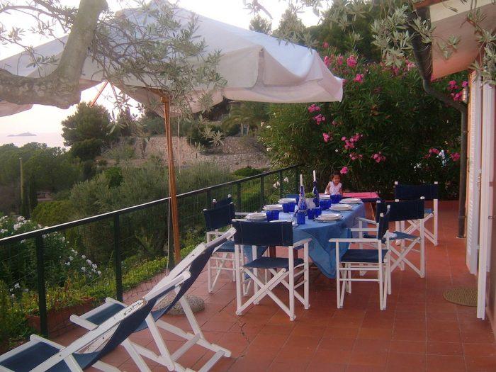 Casa-Tramonto-Terrasse-Segelzentrum-Elba